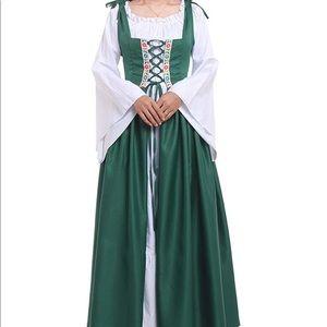 Renaissance Medieval Irish Costume Dress